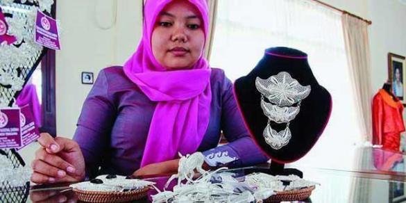 perhiasan-perak-khas-kendari